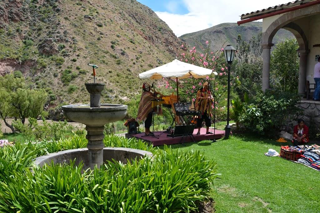 Tunupa Restaurant Ollantaytambo garden