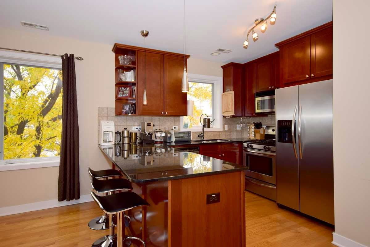 1516 W Grand Ave 2W Kitchen Chicago West Town neighborhood