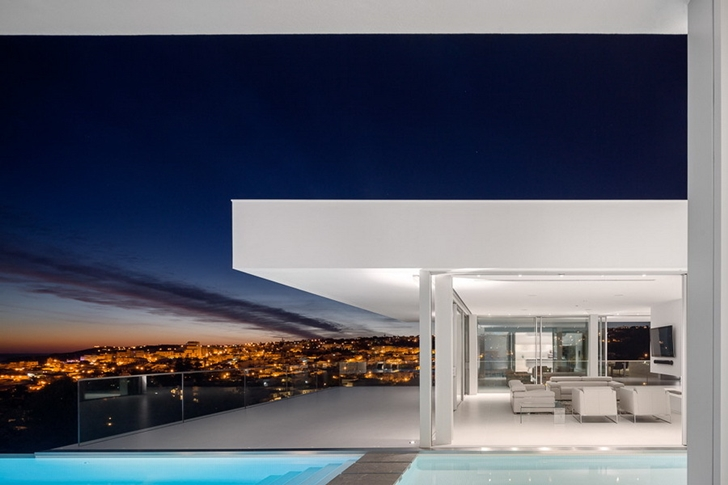 View from Modern Villa Escarpa by Mario Martins at night