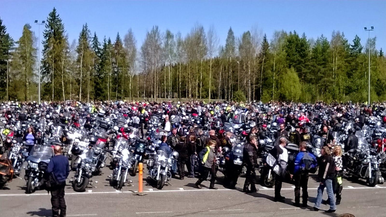 Hymyilevän Motoristin Kevätpäivä 2014 Kouvolassa