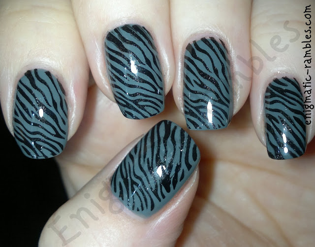 grey-zebra-nails-stamped-bundle-monster-BM223-ciate-vintage-kleancolor-metallic-black