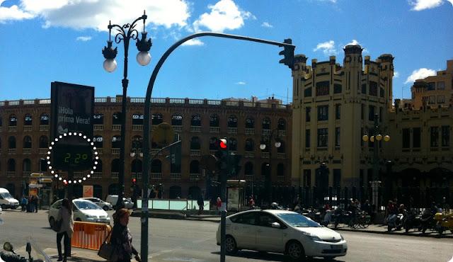 Valencia, Plaza de Toros y Estación del Norte