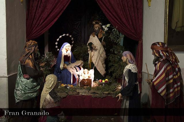 http://franciscogranadopatero35.blogspot.com/2013/12/fotografias-portal-de-belen-hermandad_20.html