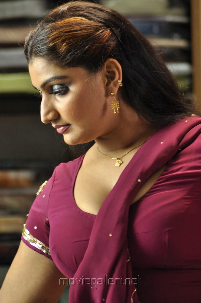700 x 1054 jpeg 114kB, <b>Telugu Dengulata</b> Bommalu http://kamistad.net/ <b>...</b> - nellai_santhippu_movie_gallery_hot_photos_stills_24155d4