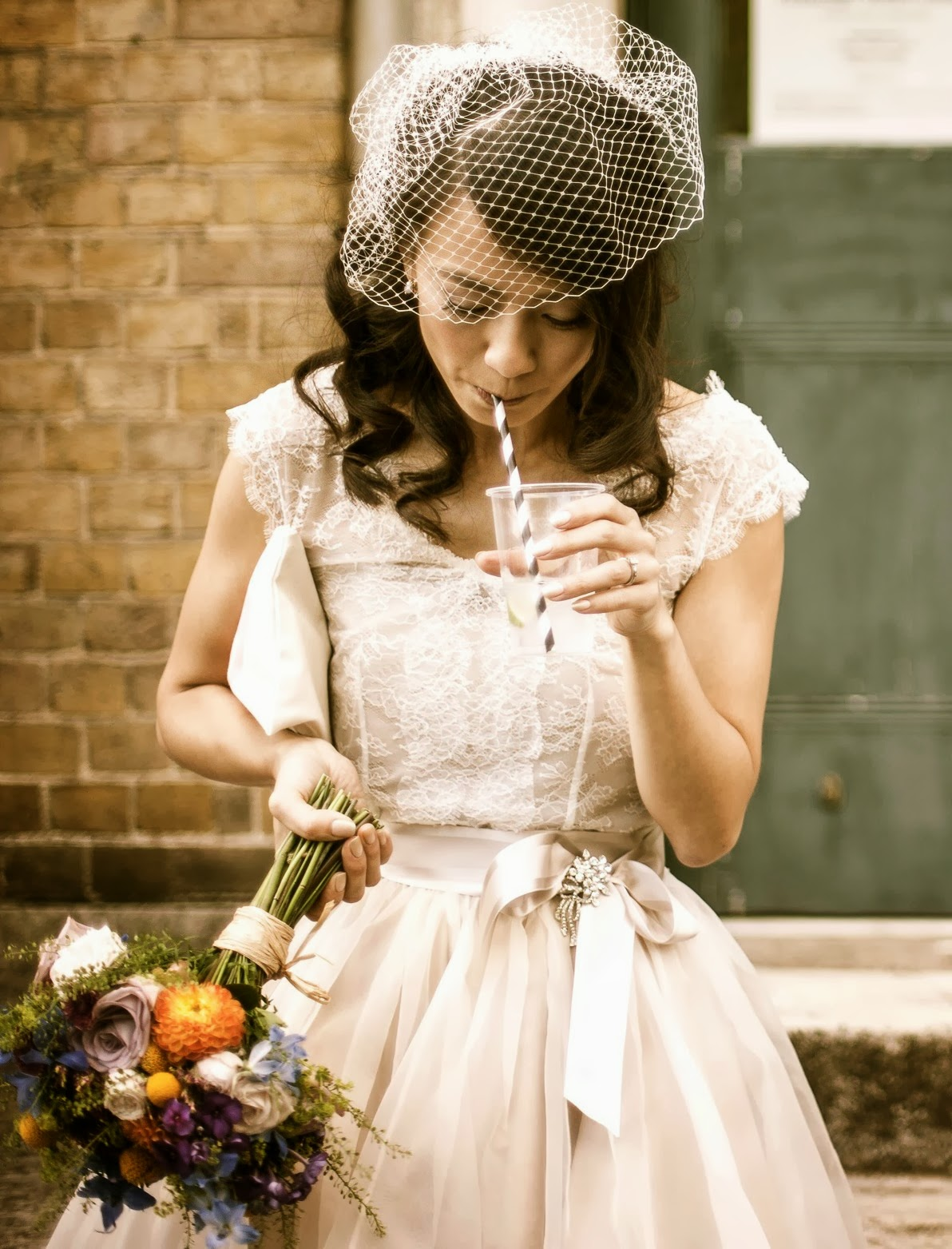 Today\'s gorgeous vintage bride, Sophie in a 1950s style wedding ...