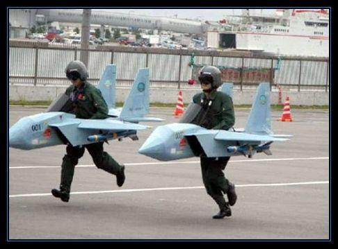 Con_la_crisis_no_nos_llega_para_aviones
