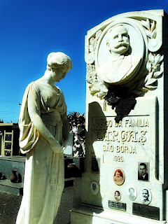 Jazigo da Família Vargas. Cemitério Jardim da Paz, São Borja.