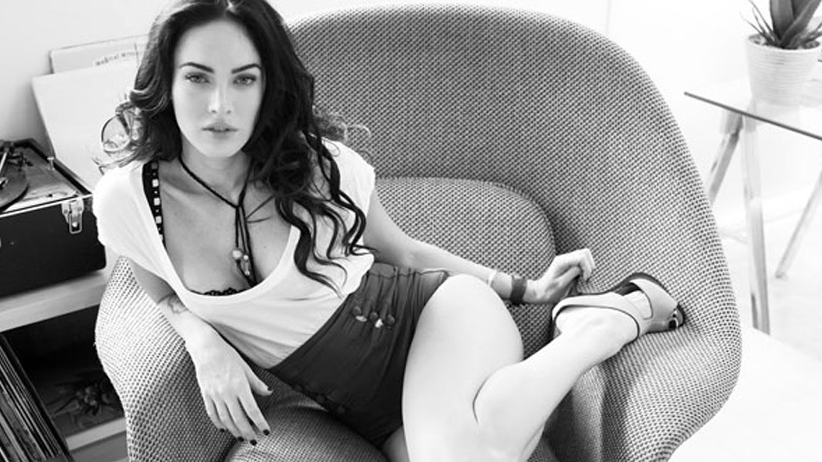 like every body: megan fox hd wallpapers 2013