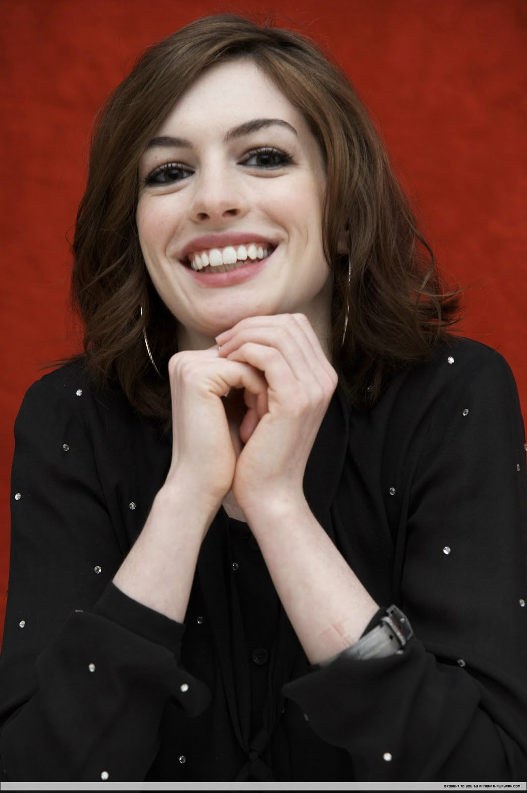 http://4.bp.blogspot.com/-5ETZX0Gwi1o/TlAMDqiDXII/AAAAAAAAAO4/z_lqrFULyp4/s1600/Anne-Hathaway-vedios-movies-pics-havoc-pictures-bio%20%281%29.jpg