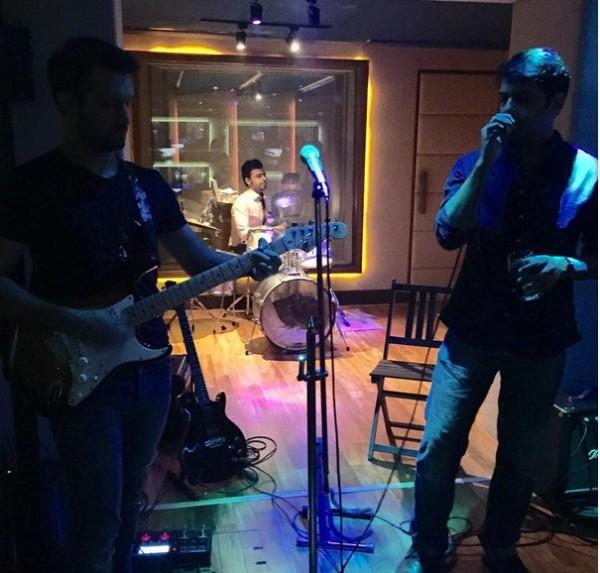 Atif Aslam & Goher Join Ali Zafar's Jam Night at New Villa