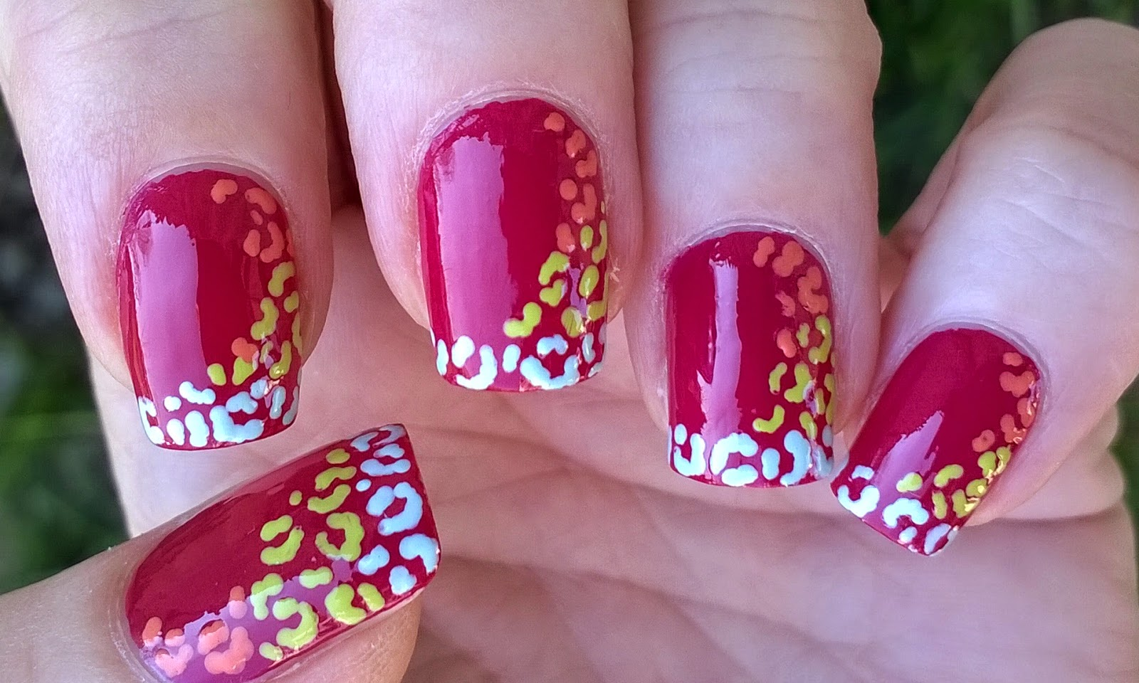 Life World Women: Colorful leopard nails - Toothpick nail art