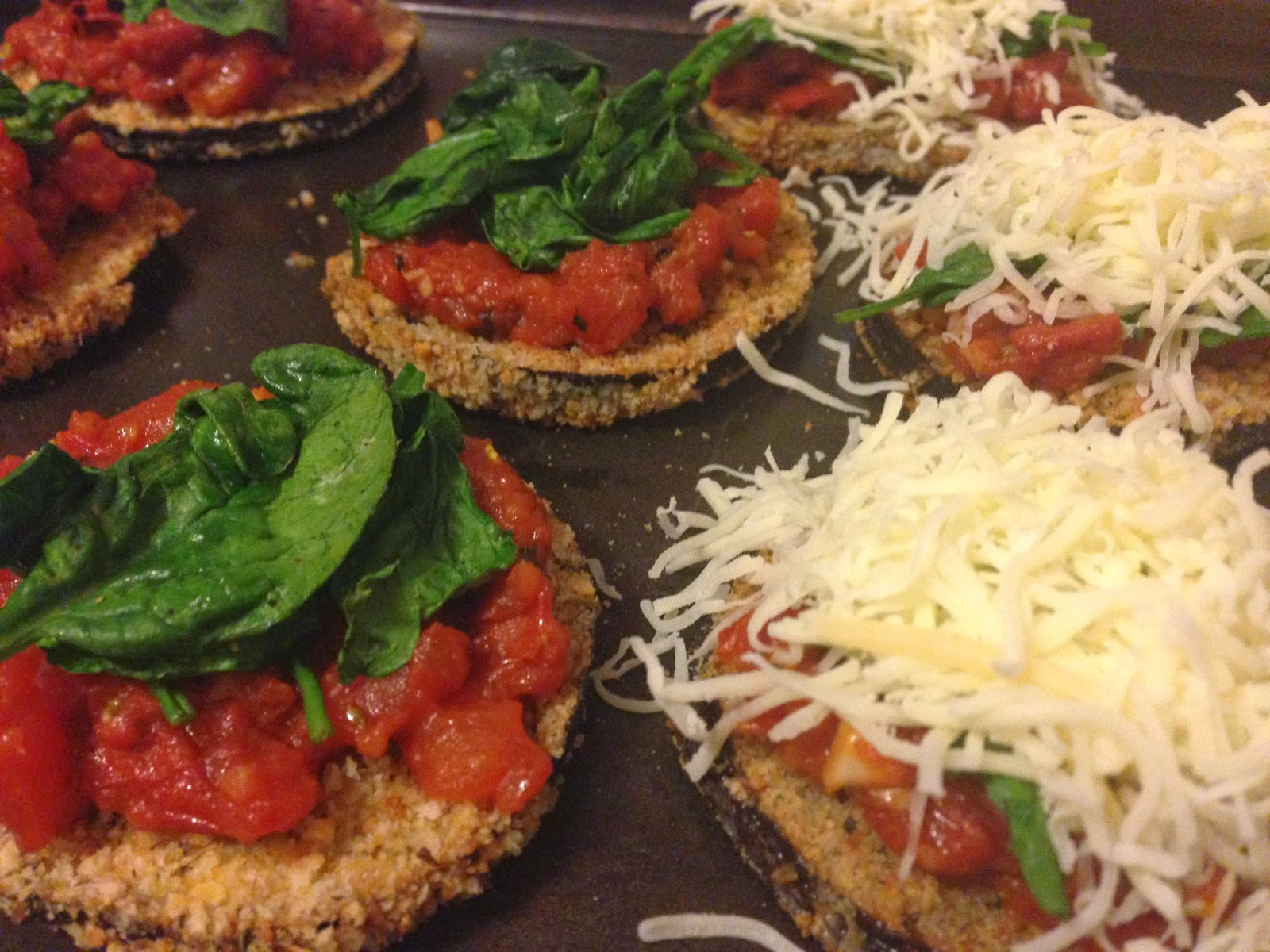 Kara cooks and eats: Eggplant pizza