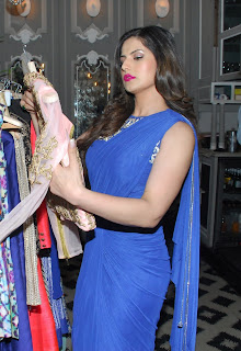 Zarine Khan looks cute in Dark Red Lipstick and Blue Saree At Zulekha Shariffs New Collection Launch Nido, Mumbai