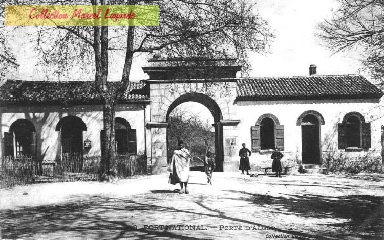 de fort national 224 larbaa nath irathen une histoire de la ville les portes de fort national