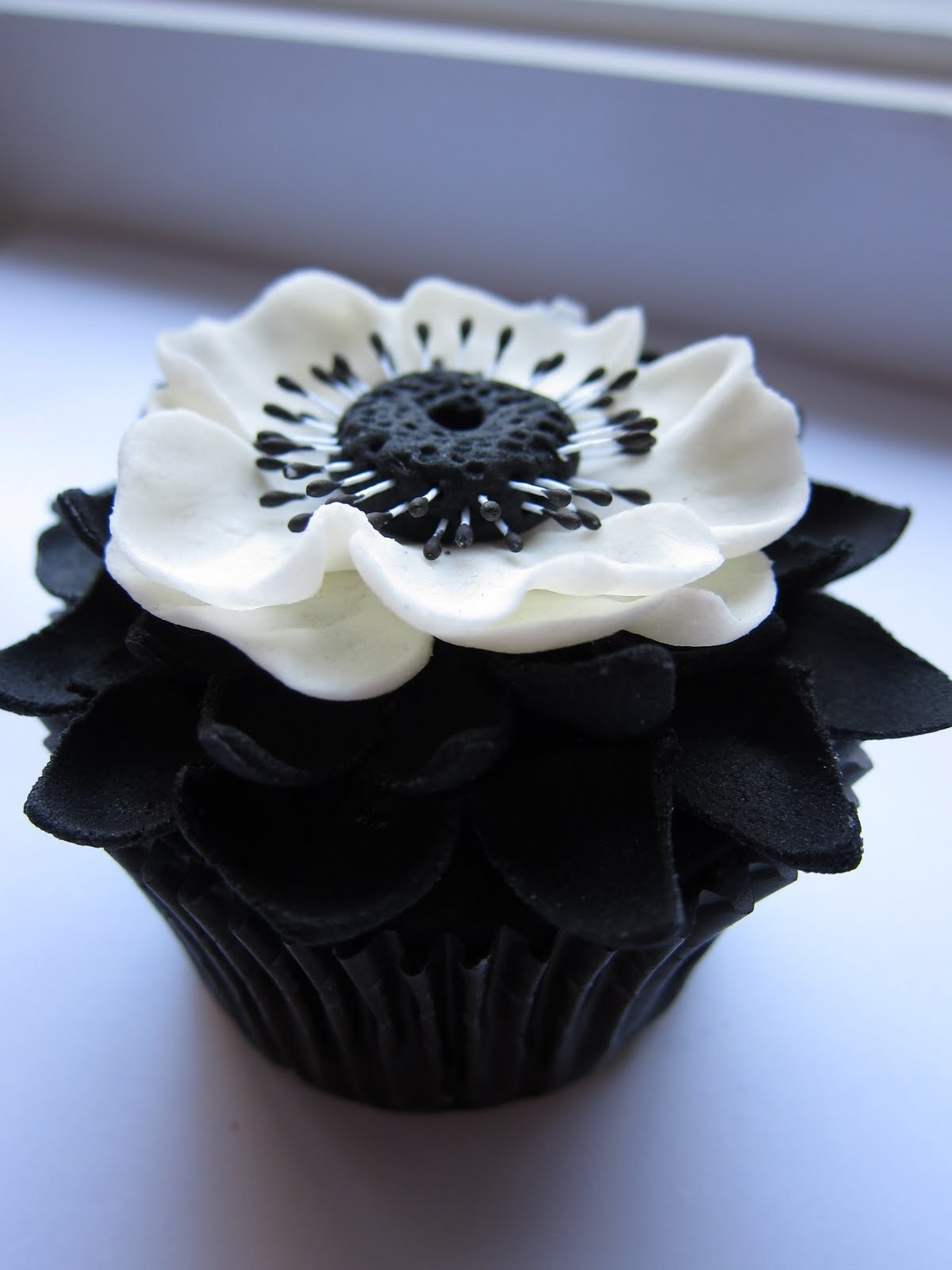 Icing Designs: Cupcake Couture Cupcake Contest Winner