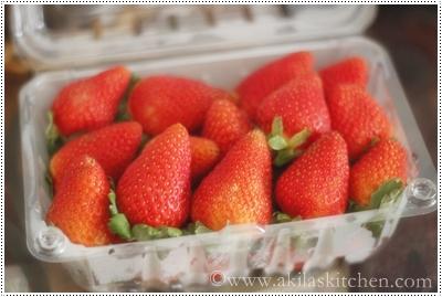 ... eggless strawberry ice cream without ice cream maker | Easy Ice cream