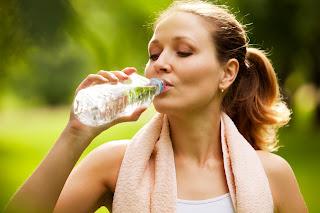 7 Manfaat Luar Biasa Meminum Air Putih Di Pagi Hari