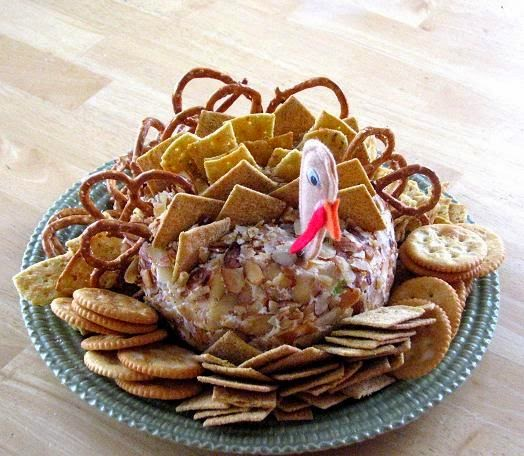 Cool Thanksgiving Cheese Ball