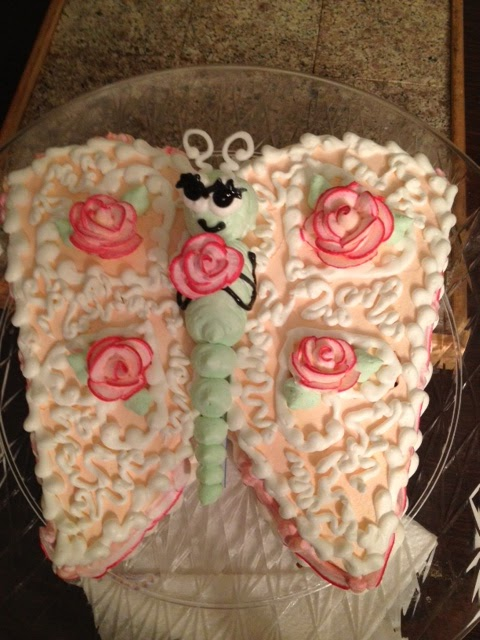 how to make a butterfly cake from a round cake