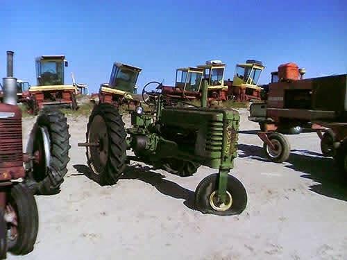EQ-22963 John Deere B Tractor