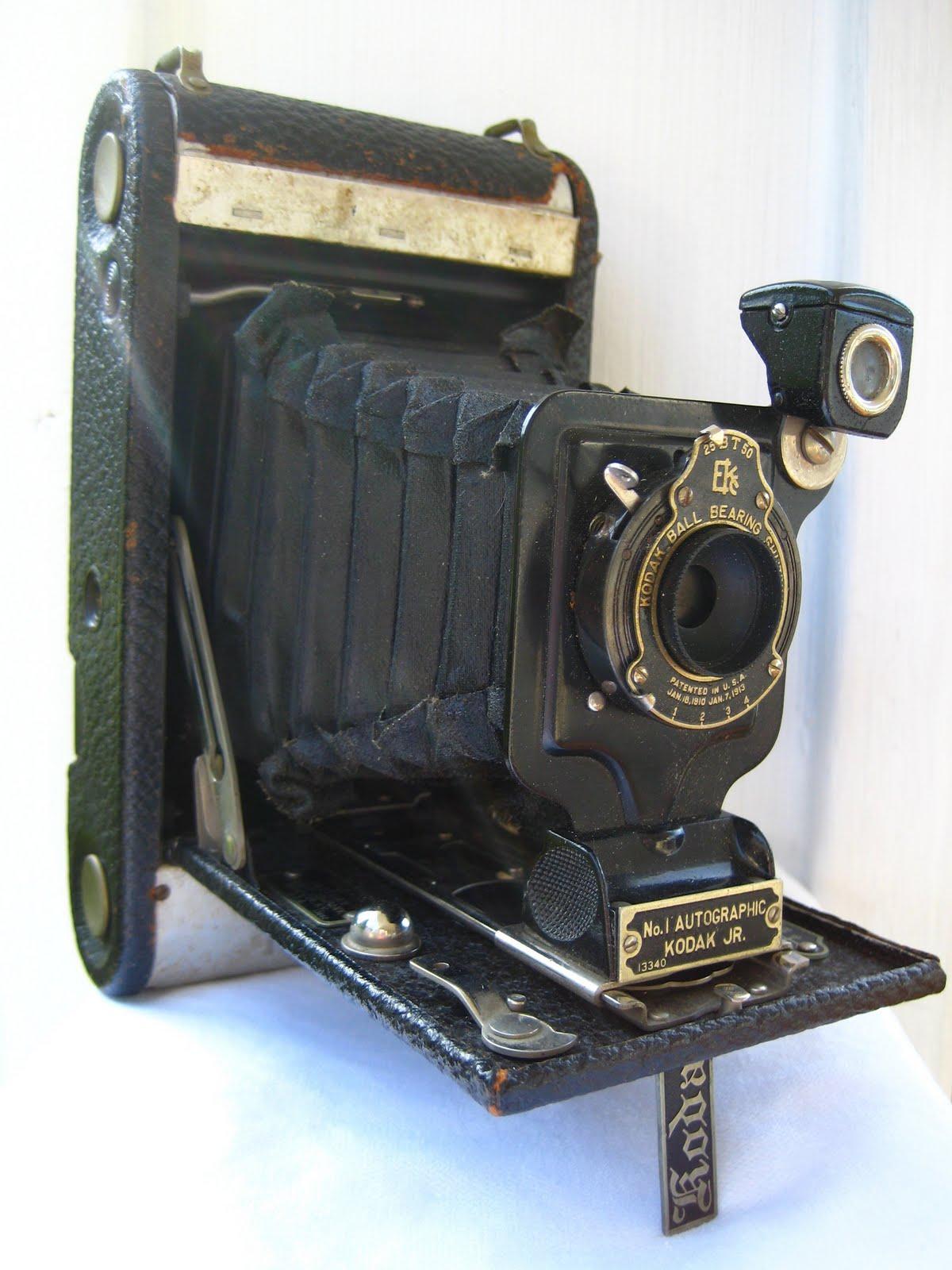 {The Smith Nest}: Vintage Camera