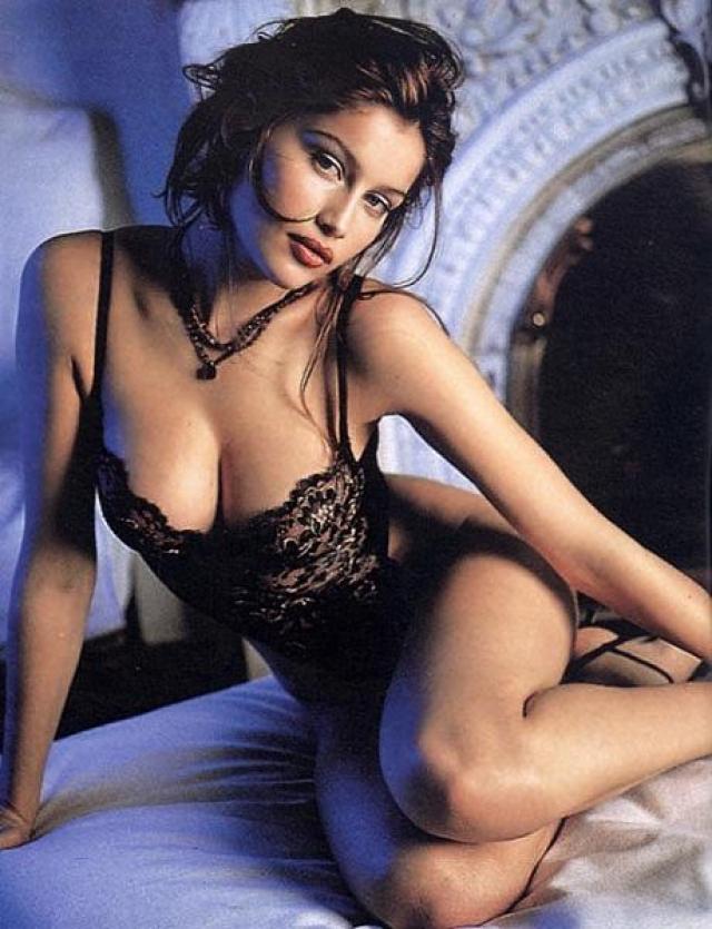Victoria 39 s secret models laetitia casta - Elisabetta diva futura ...