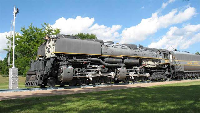 Gambar Kereta Api Union Pacific Challenger 4-6-6-4 3977 01