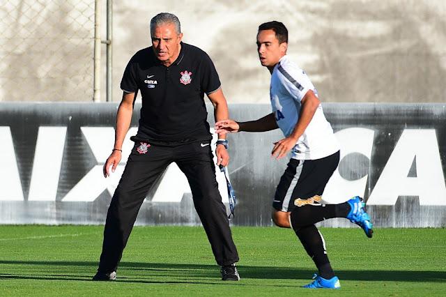 Tite conta com boa fase de Jadson para voltar a vencer (foto: Sergio Barzaghi/Gazeta Press)
