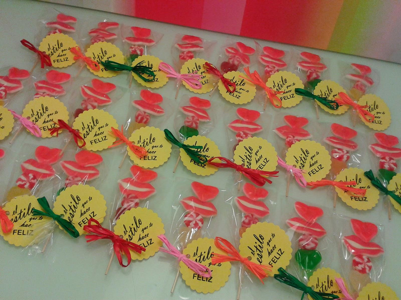 Chuchedetalles pamplona mini brochetas de chuches como - Detalles de bienvenida ...