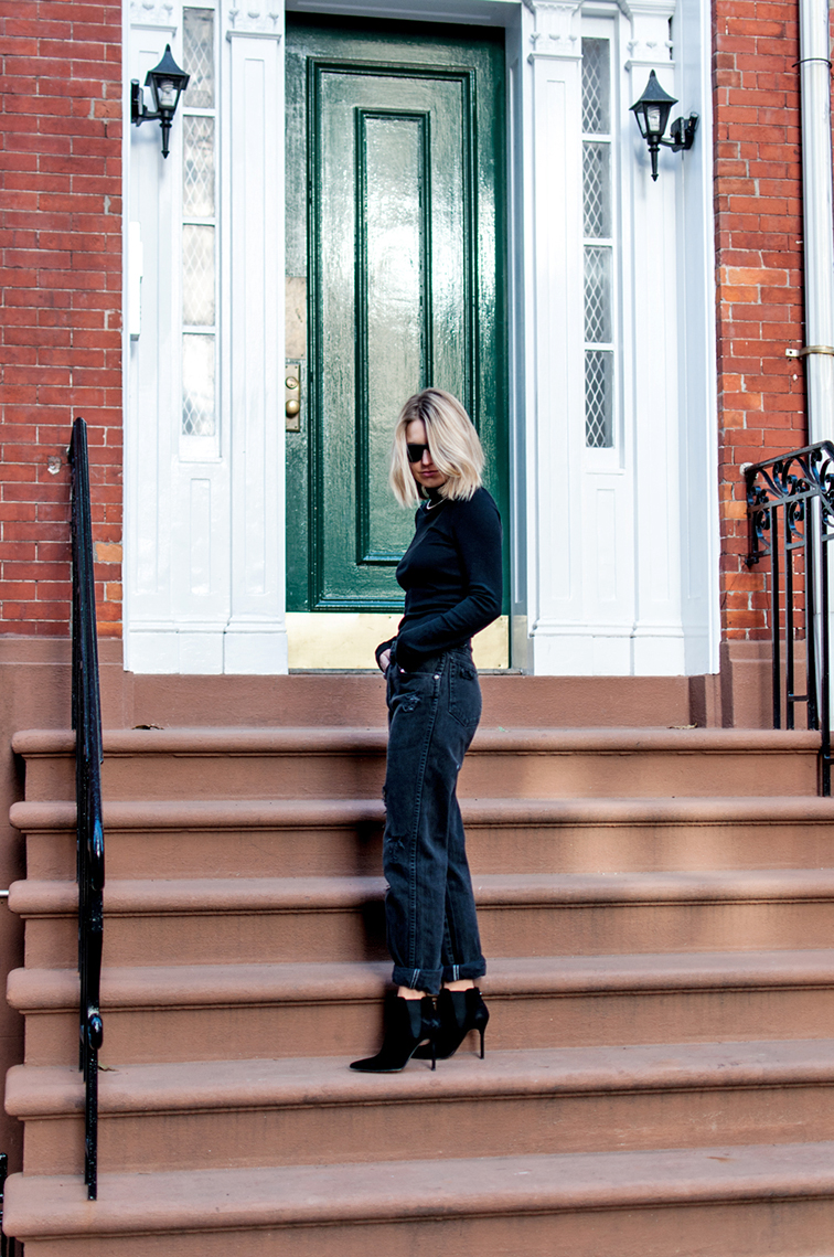 Fashion Over Reason, boyfriend mom jeans, turtleneck, Stuart Weitzman booties, West Village NYC