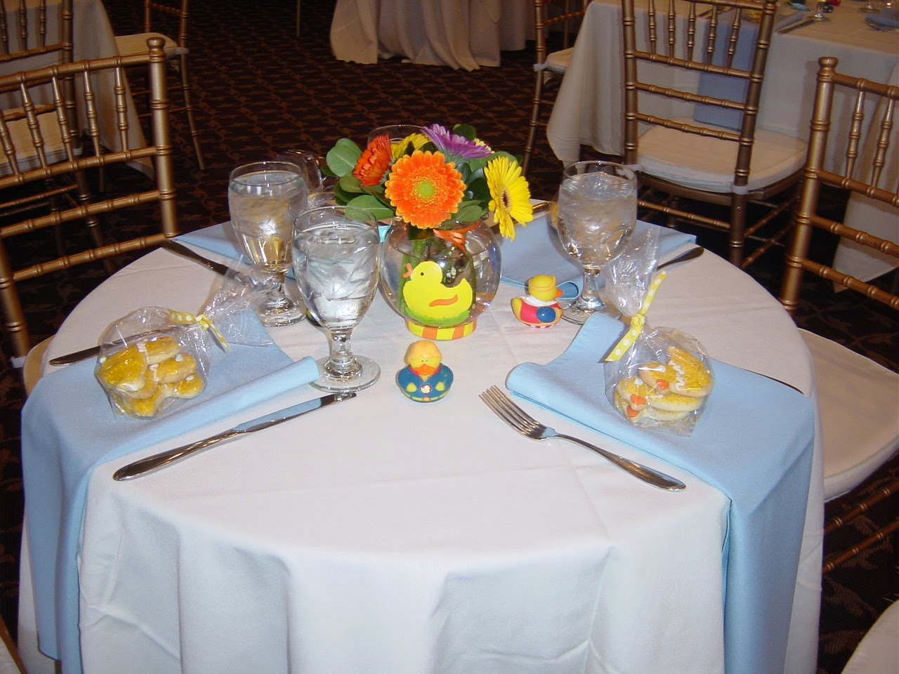 Rubber Duck Baby Shower Centerpieces http://whimsicalwelcomesflowers.blogspot.com/2011/04/coreys-baby-shower-rubber-duckie-youre.html