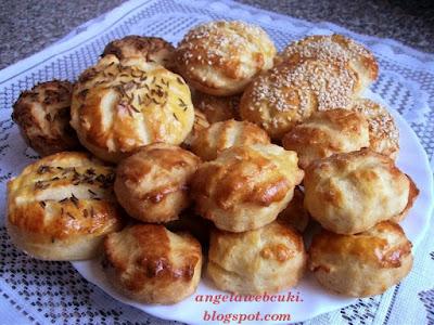 Pogácsa recept, köménymagos valamint szezámmagos sós sütemény.