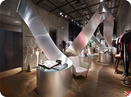 Elena anuskan interior design dise o comercial for Diseno de interiores almacenes de ropa