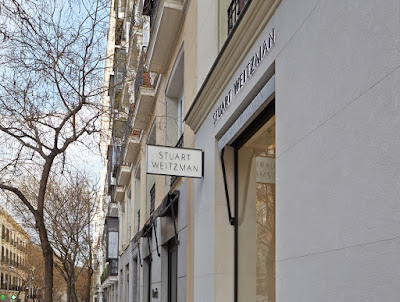 Stuart Weitzman, Made in Spain, flagship store, Madrid, calzado, mujer, woman, Suits and Shirts,