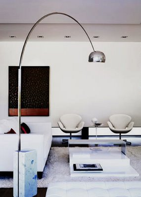 through the french eye of design the arco lamp by flos. Black Bedroom Furniture Sets. Home Design Ideas