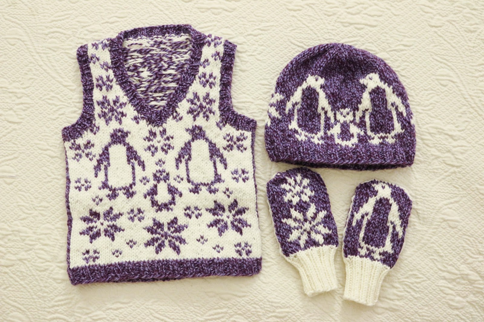 ChemKnits: The Snowy Penguin Set - Toddler Vest, Hat and Mitts ...