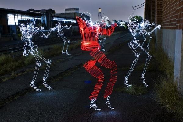 Graffiti de Luz (light graffiti) Desenhos com rastros de luz - Michael Jackson