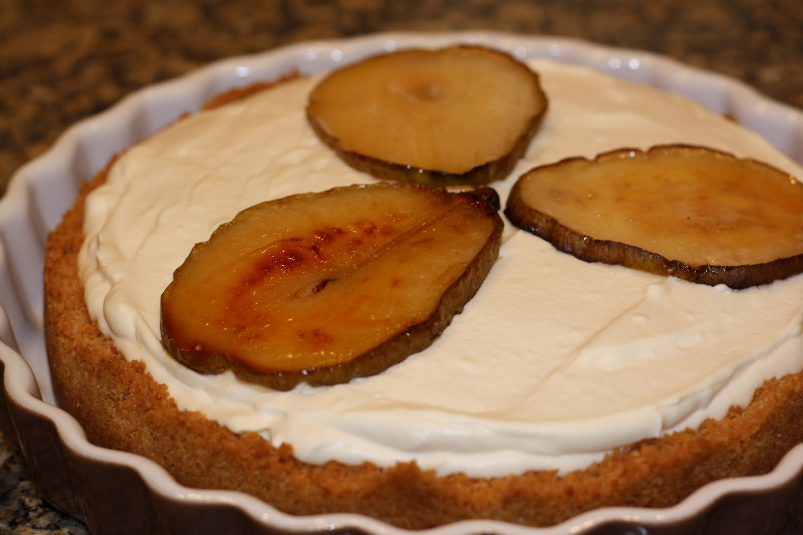 sunday sweets: maple cheesecake with roasted pears