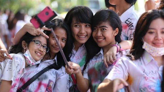 Daftar_100_SMA_99_SMK_Surabaya_Negeri_Swasta