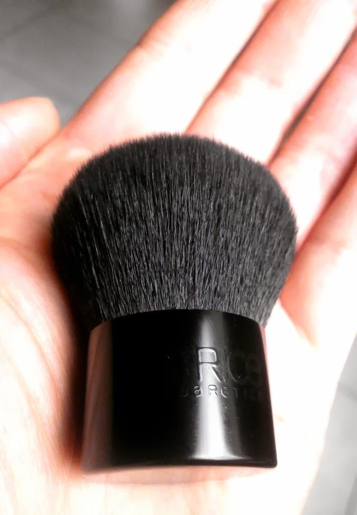 Catrice Mini Kabuki Brush отзывы, свотчи