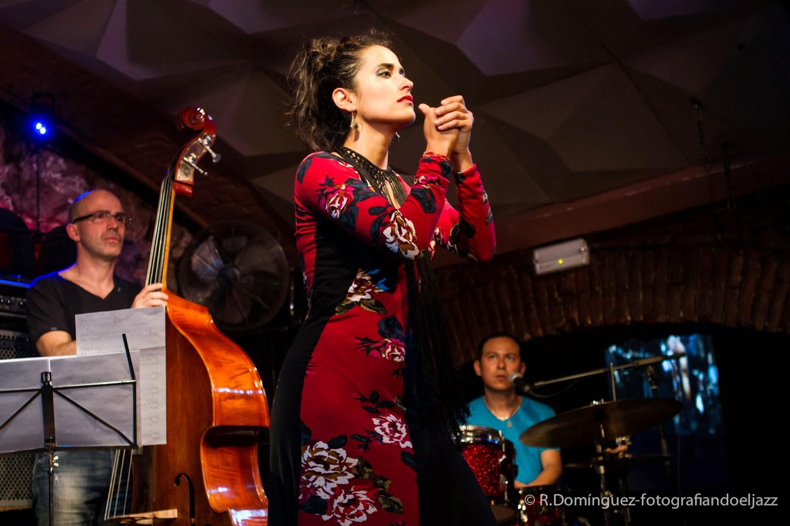 © R.Domínguez - Israel Varela Group ft Karen Lugo