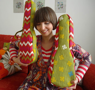 Ivy Arch and her Gudrun Sjoden uke bags