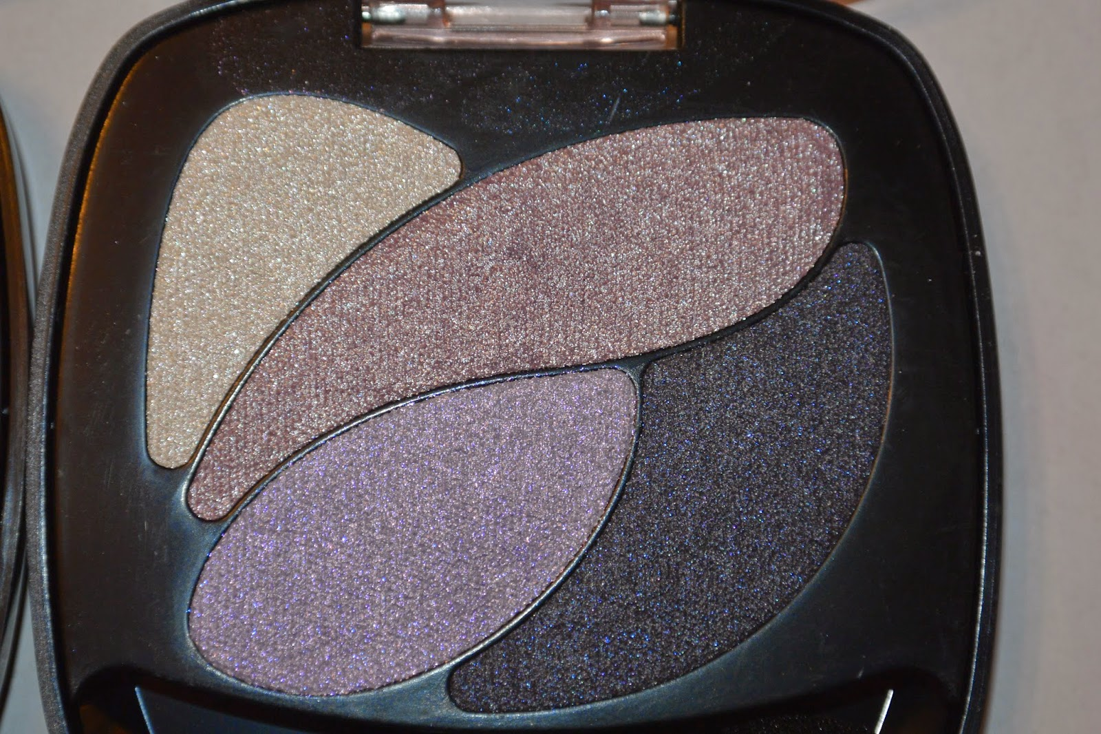 Bombspell Beauty Blogger: SWATCHES : LOreal Color Riche