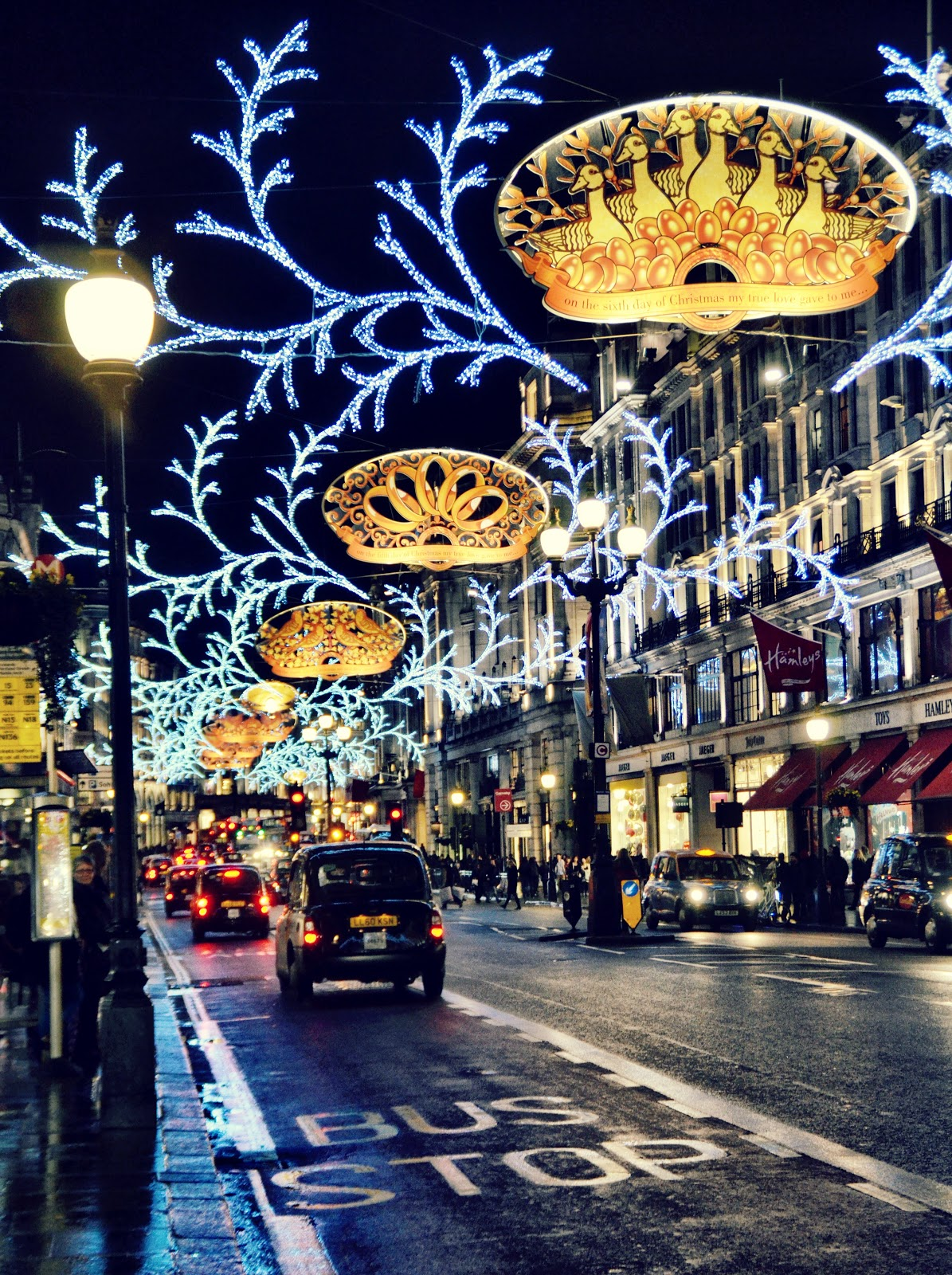 Night lights queens walk london - 101 Best Images About London On Pinterest Harry Potter London Westminster Abbey London And Louis Vuitton Store