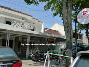 Little White Cafe Bandung