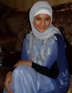 Jilbab Marshanda Online