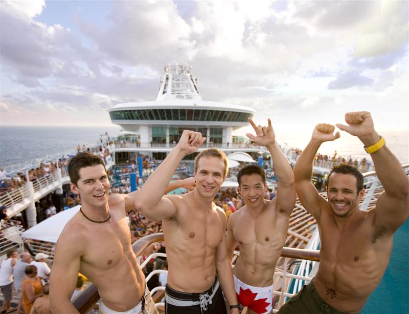 ... Caribbean's Allure of the Seas, the largest cruise ship in the world.