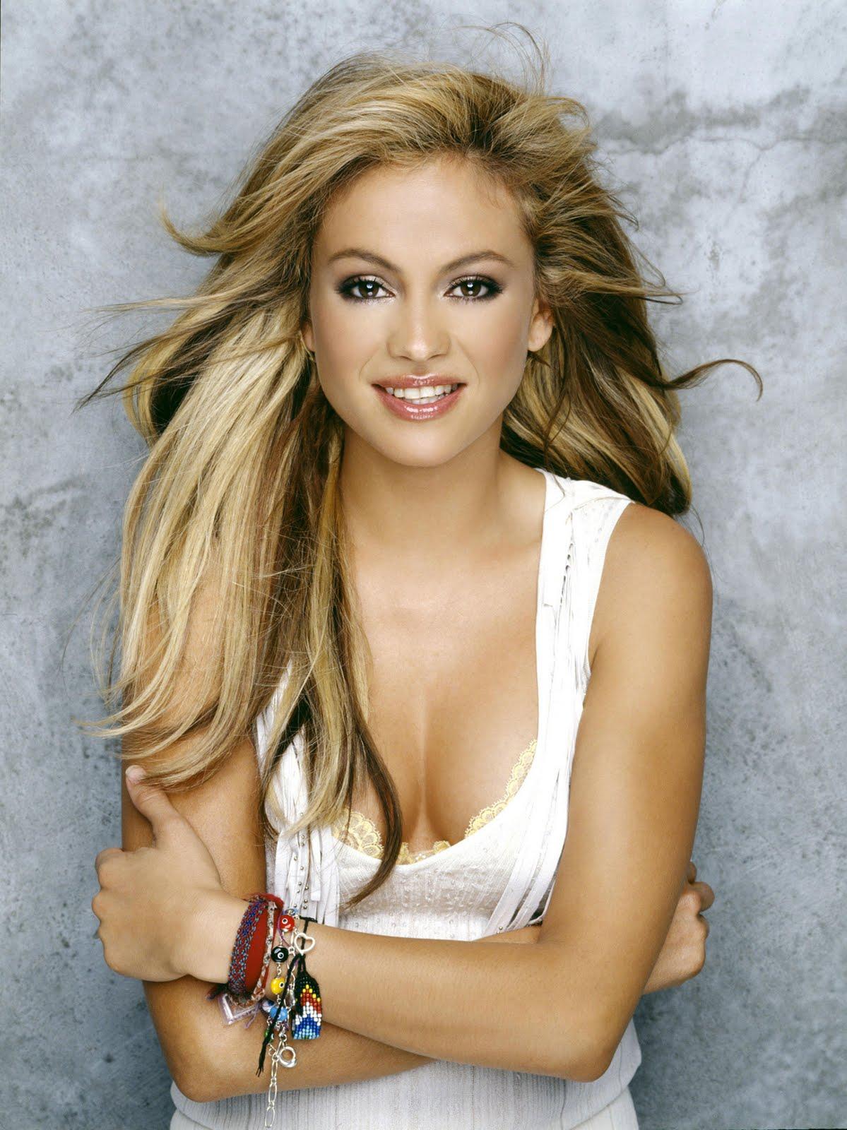 Sexy Hot Mexican Women - Paulina Rubio