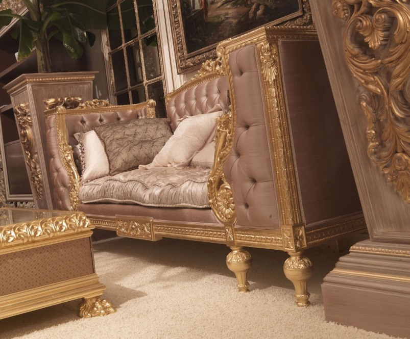 Antique french furniture modern living vs italian for Modern vs classic furniture