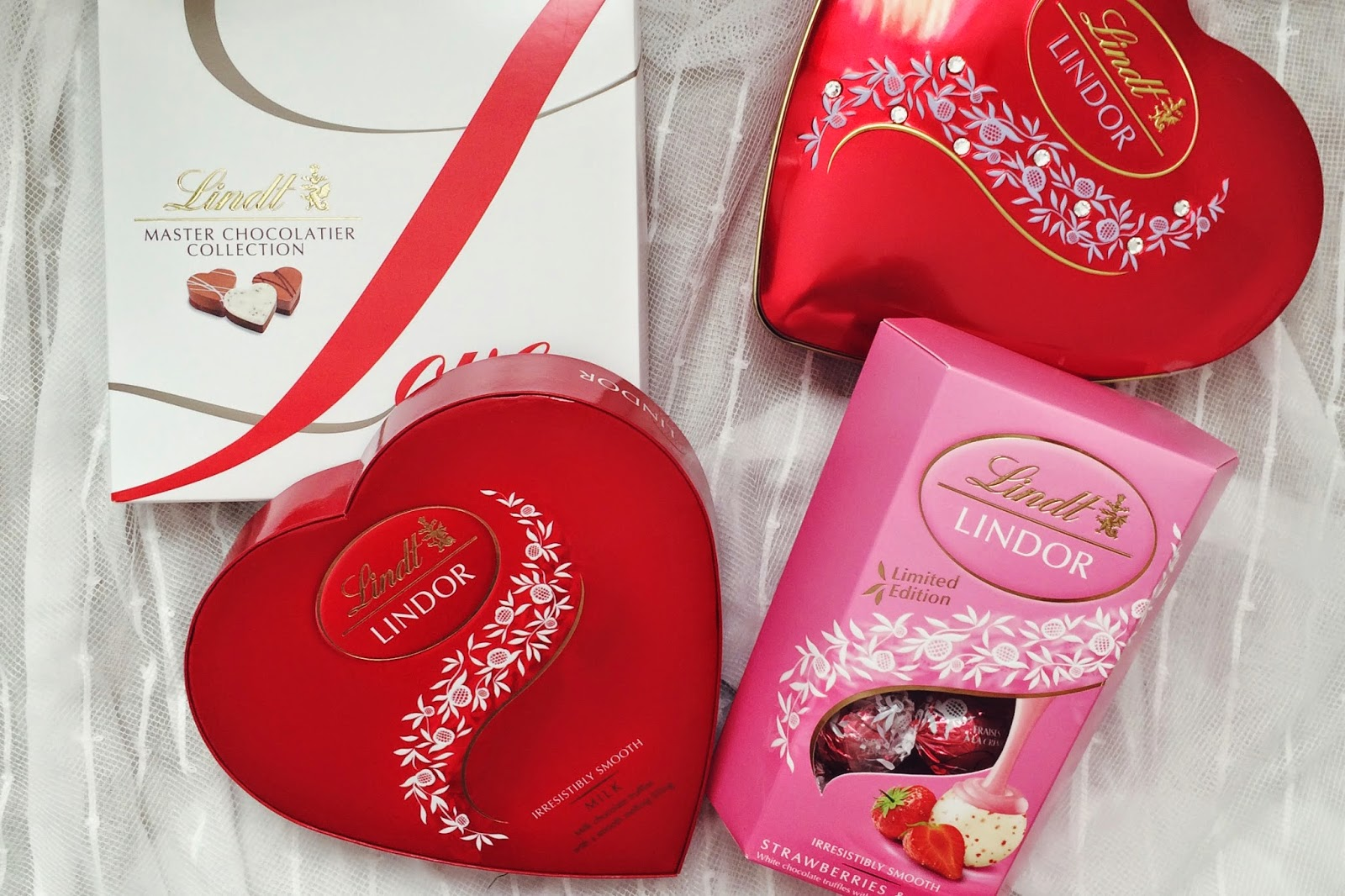 FashionFake, Valentines Day gift guide blog, UK lifestyle bloggers, UK food bloggers, Lindt chocolates, Lindor chocolates